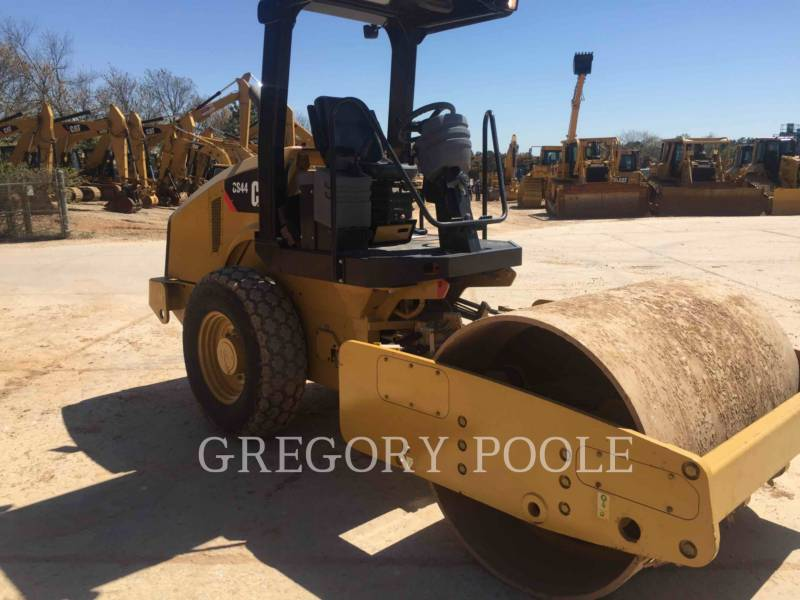 CATERPILLAR COMPACTADORES DE SUELOS CS-44 equipment  photo 3