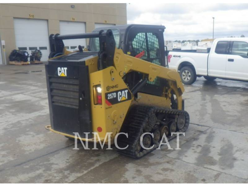 CATERPILLAR CHARGEURS TOUT TERRAIN 257D equipment  photo 3
