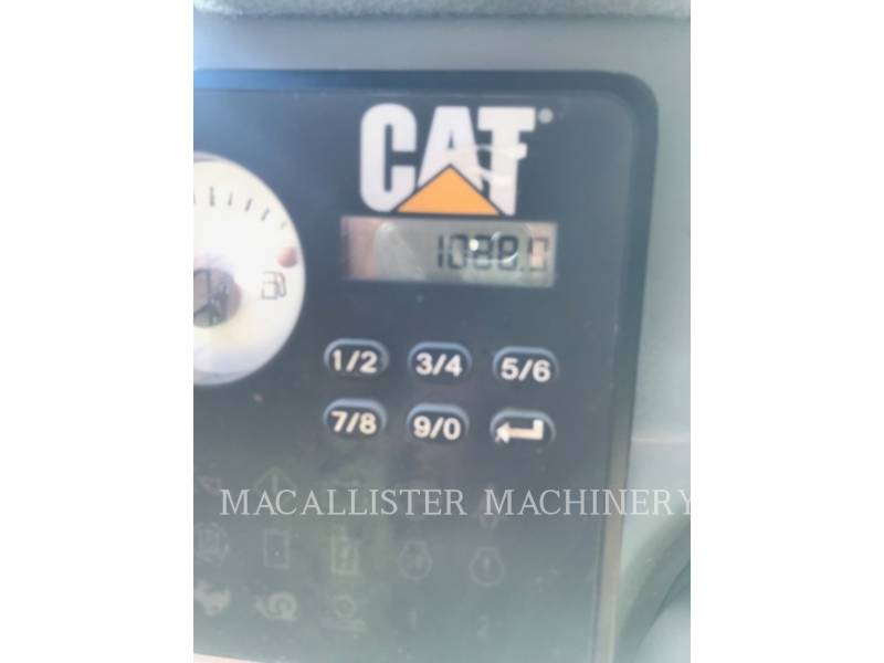 CATERPILLAR KOMPAKTLADER 236D equipment  photo 10