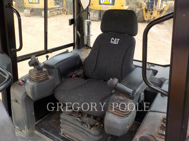 CATERPILLAR TRACK TYPE TRACTORS D5K2 XL equipment  photo 20
