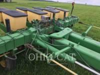 JOHN DEERE PLANTING EQUIPMENT 7000 equipment  photo 5