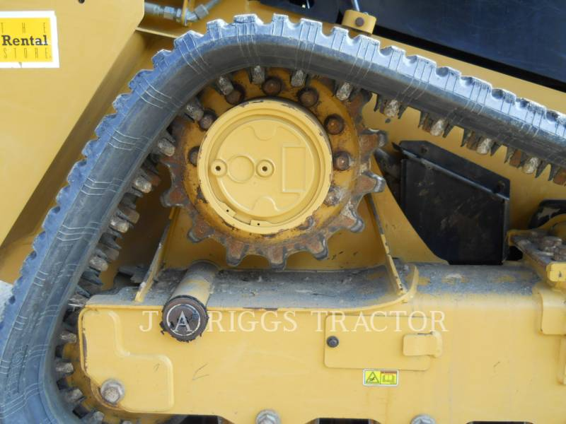 CATERPILLAR MULTI TERRAIN LOADERS 239D equipment  photo 13