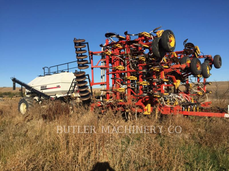 BOURGAULT INDUSTRIES Equipo de plantación 5710 equipment  photo 1