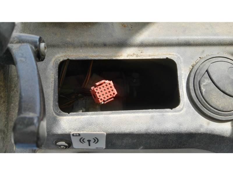 CATERPILLAR TELEHANDLER TH406C equipment  photo 13