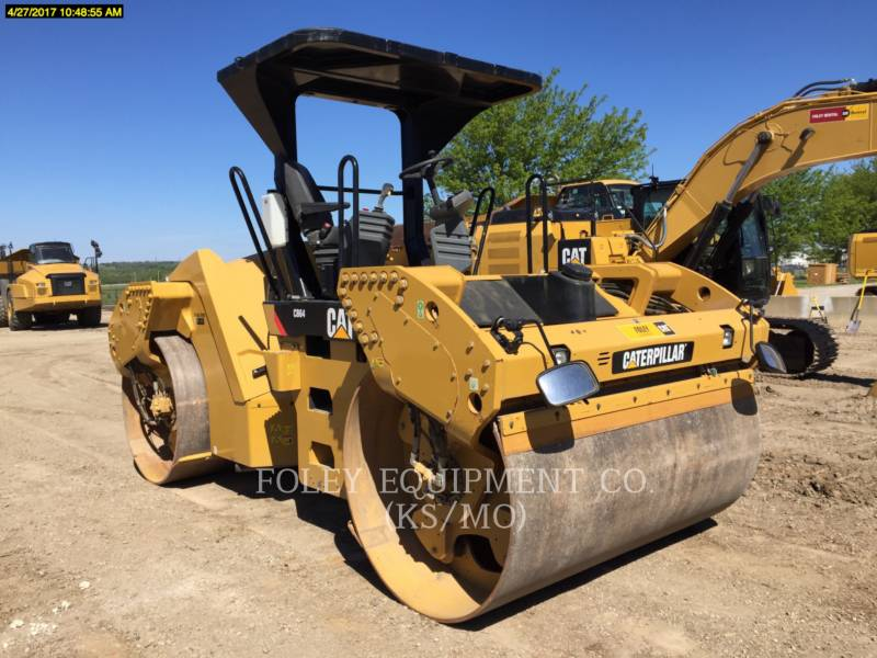 CATERPILLAR TANDEMVIBRATIONSWALZE, ASPHALT CB64 equipment  photo 1
