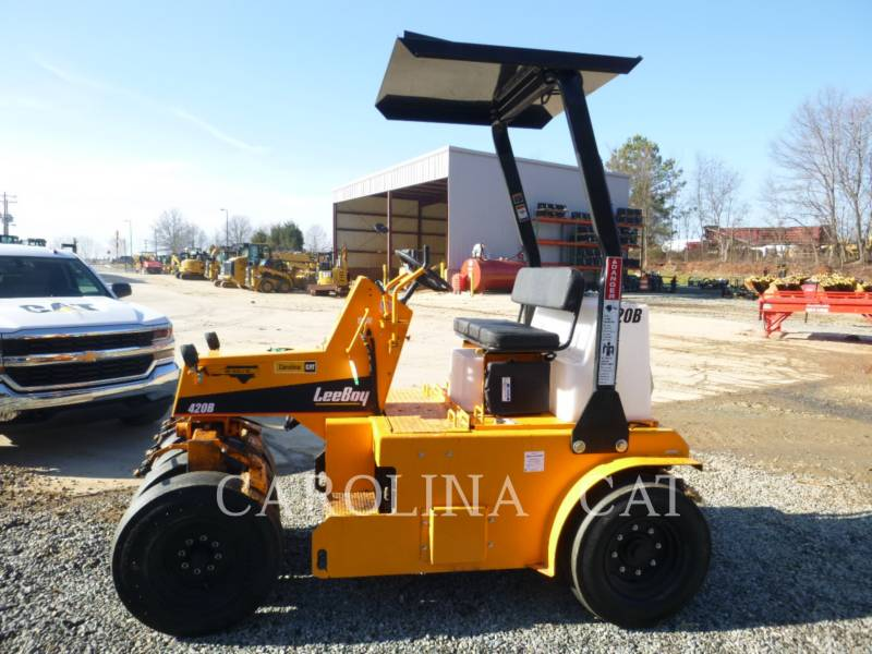 LEE-BOY ASPHALT PAVERS 420 equipment  photo 1