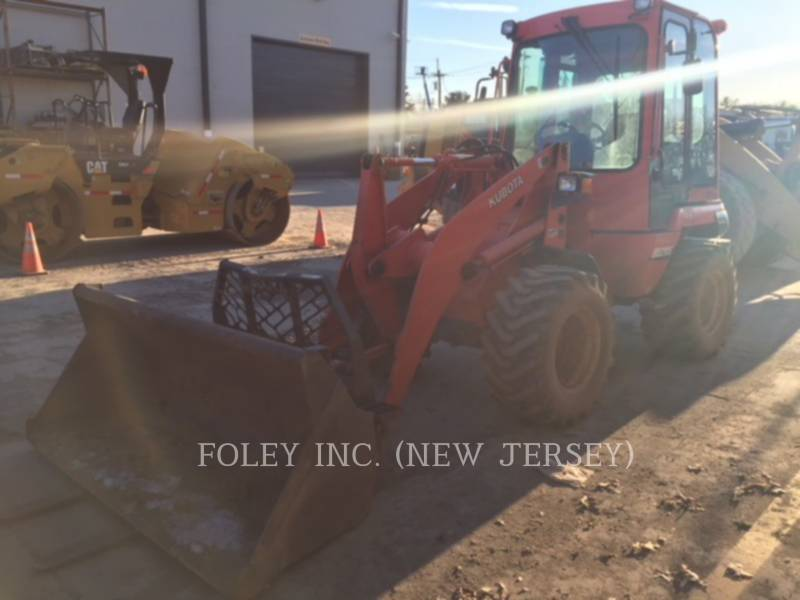 KUBOTA TRACTOR CORPORATION WHEEL LOADERS/INTEGRATED TOOLCARRIERS R520S equipment  photo 2