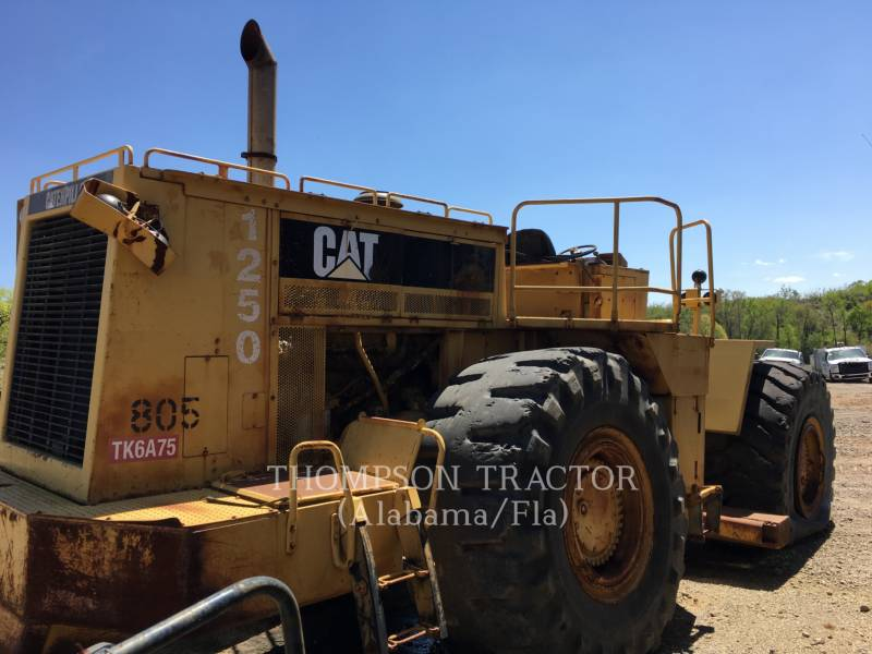 CATERPILLAR TRACTEURS SUR PNEUS 834B equipment  photo 1