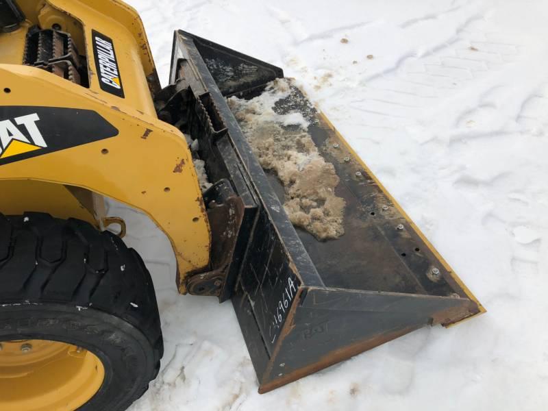 CATERPILLAR スキッド・ステア・ローダ 242B3 equipment  photo 15