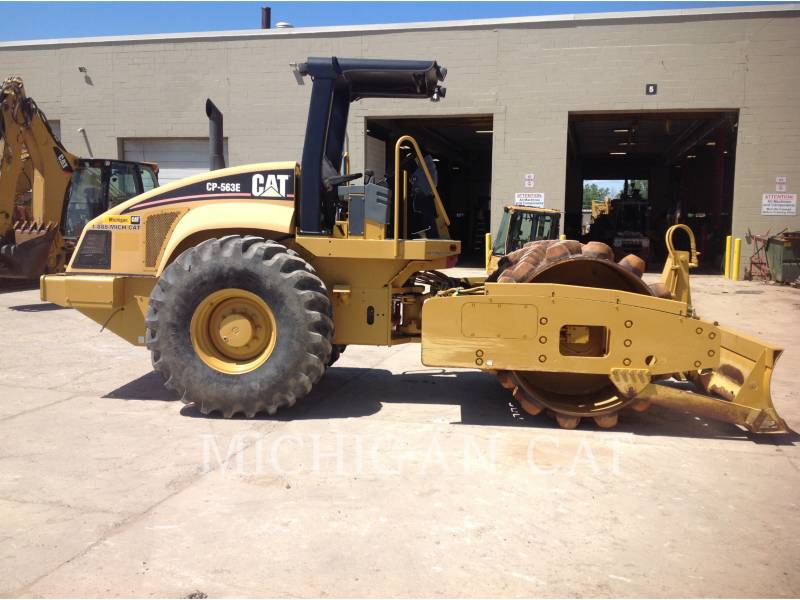 CATERPILLAR VIBRATORY SINGLE DRUM SMOOTH CP563E equipment  photo 9