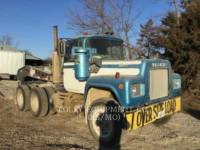 MACK CAMIONES DE CARRETER R223 equipment  photo 2