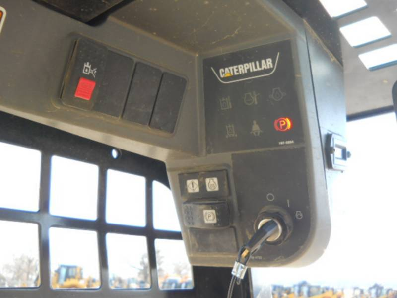 CATERPILLAR CHARGEURS COMPACTS RIGIDES 226B3 equipment  photo 17