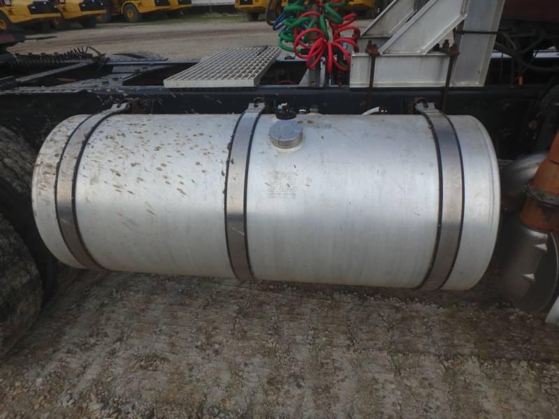CATERPILLAR CAMINHÕES RODOVIÁRIOS CT660S equipment  photo 14