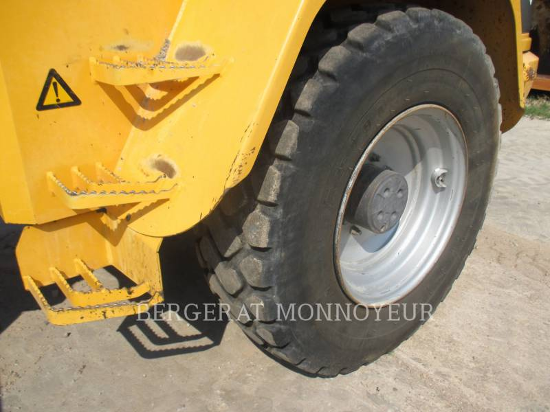 VOLVO CONSTRUCTION EQUIPMENT PALE GOMMATE/PALE GOMMATE MULTIUSO L40B equipment  photo 12