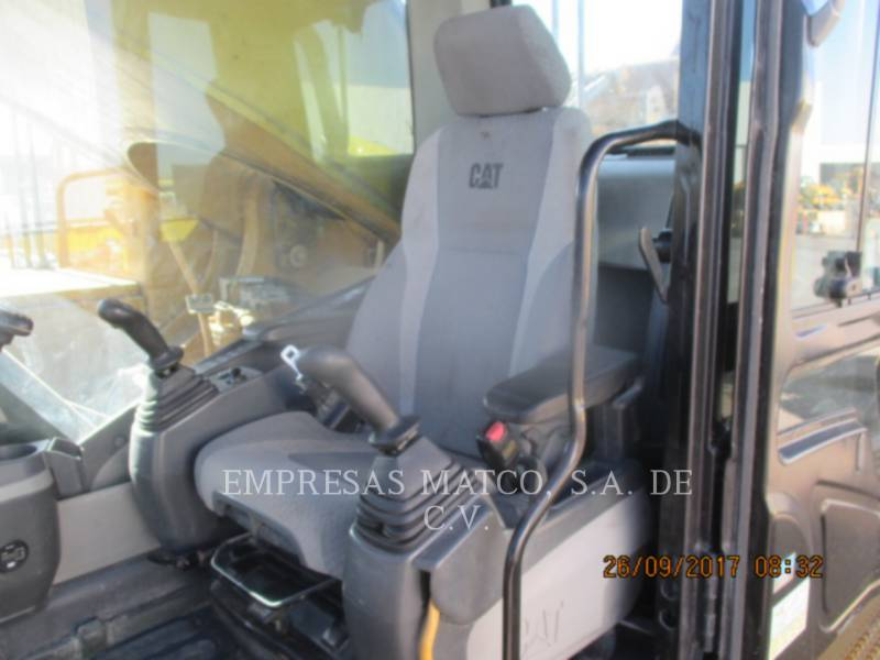 CATERPILLAR TRACK EXCAVATORS 390 D L equipment  photo 9