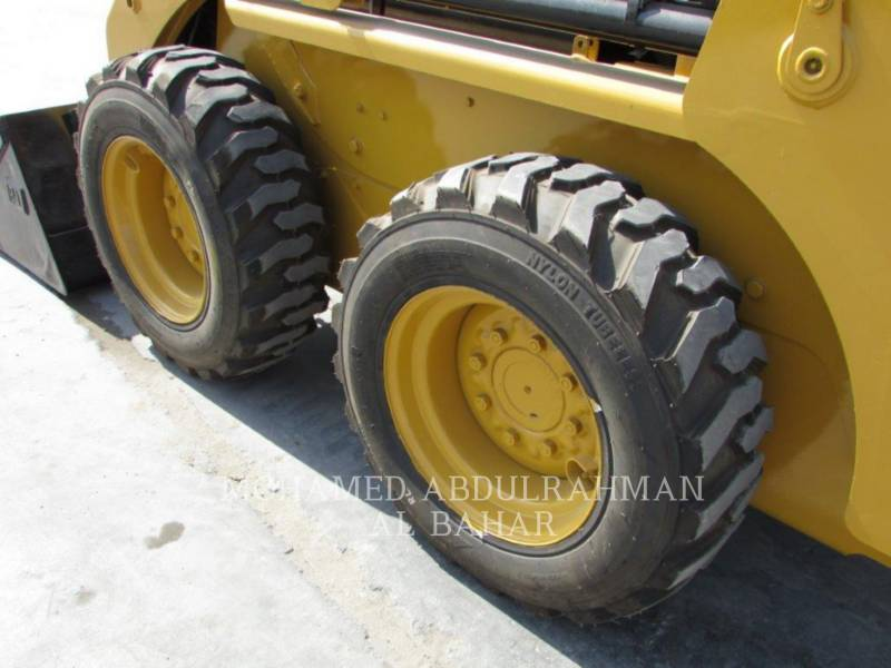 CATERPILLAR MINICARGADORAS 216 B SERIES 3 equipment  photo 10