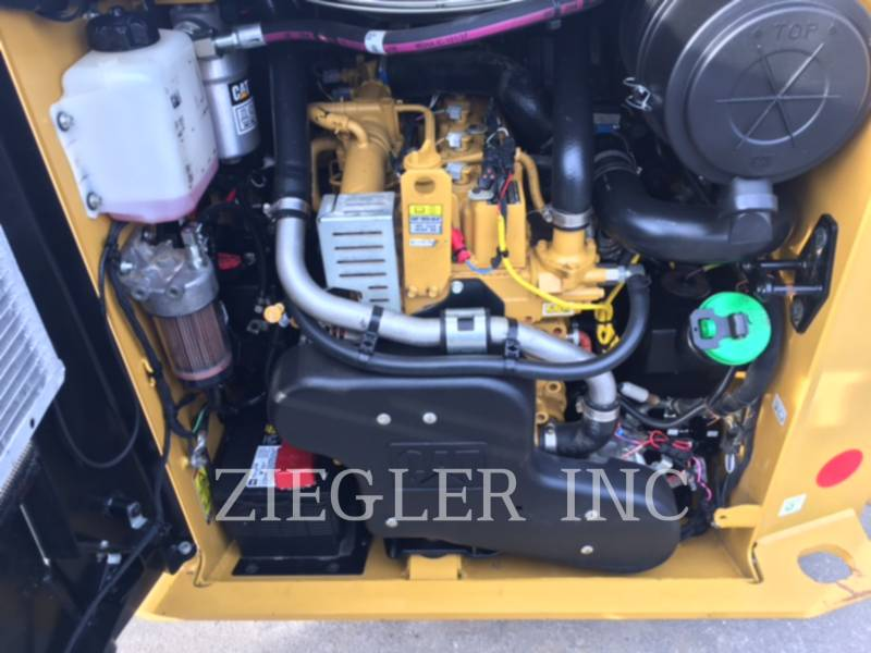 CATERPILLAR SKID STEER LOADERS 236DS equipment  photo 6