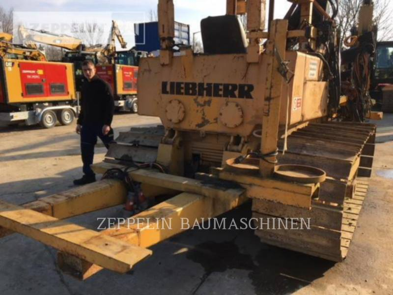 LIEBHERR TRACTEURS SUR CHAINES PR721 equipment  photo 9