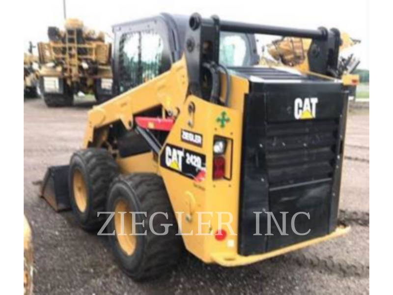 CATERPILLAR KOMPAKTLADER 242D equipment  photo 6