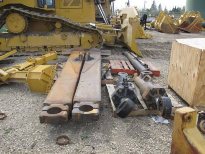 CATERPILLAR TRACK TYPE TRACTORS D10T equipment  photo 24
