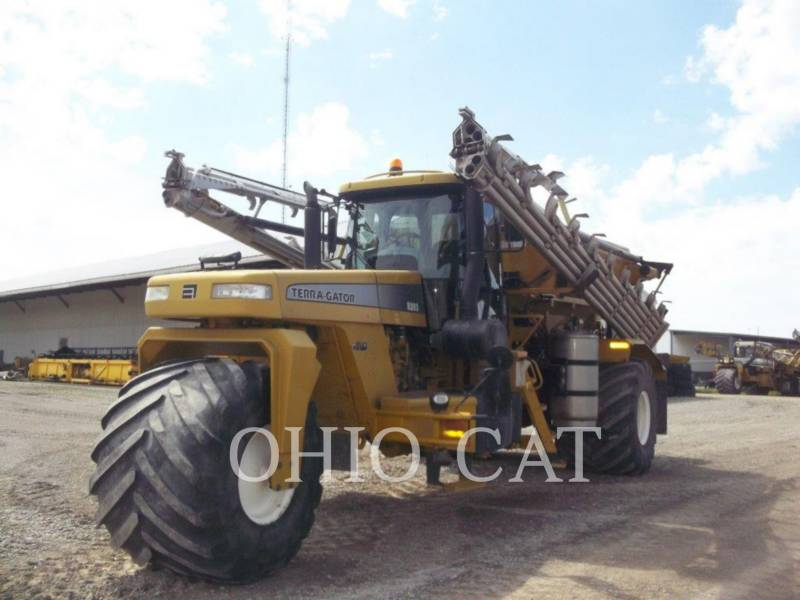 AG-CHEM SPRAYER 8203 equipment  photo 1