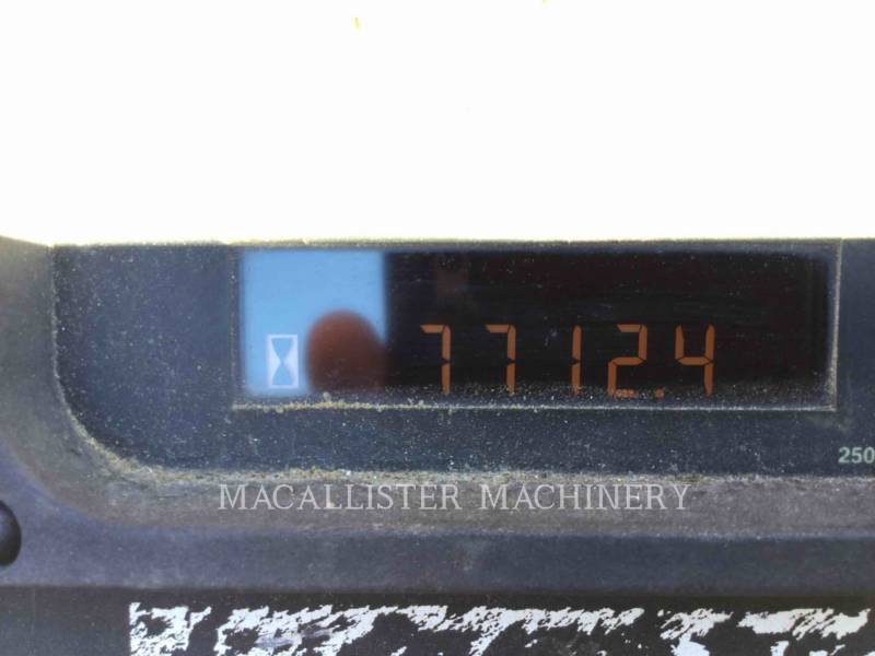 Caterpillar BETONIERE DE ASFALT AP-1055D equipment  photo 9