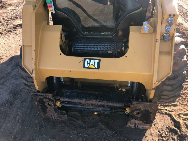 CATERPILLAR KOMPAKTLADER 236D equipment  photo 15
