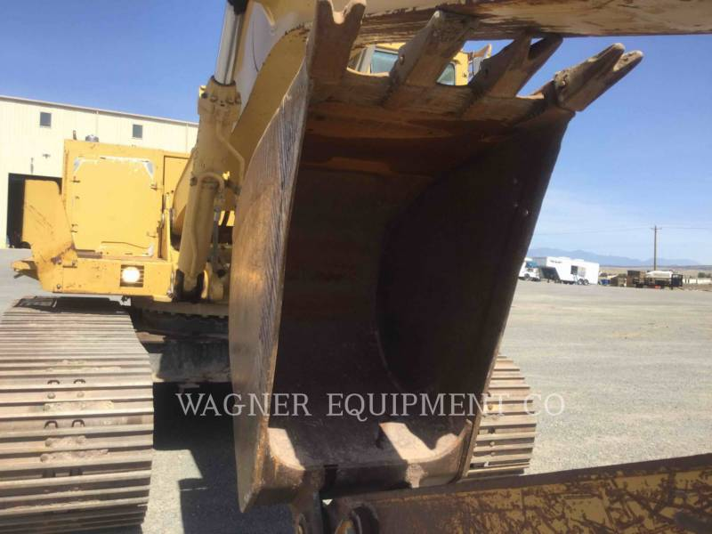 CATERPILLAR TRACK EXCAVATORS 235C equipment  photo 6