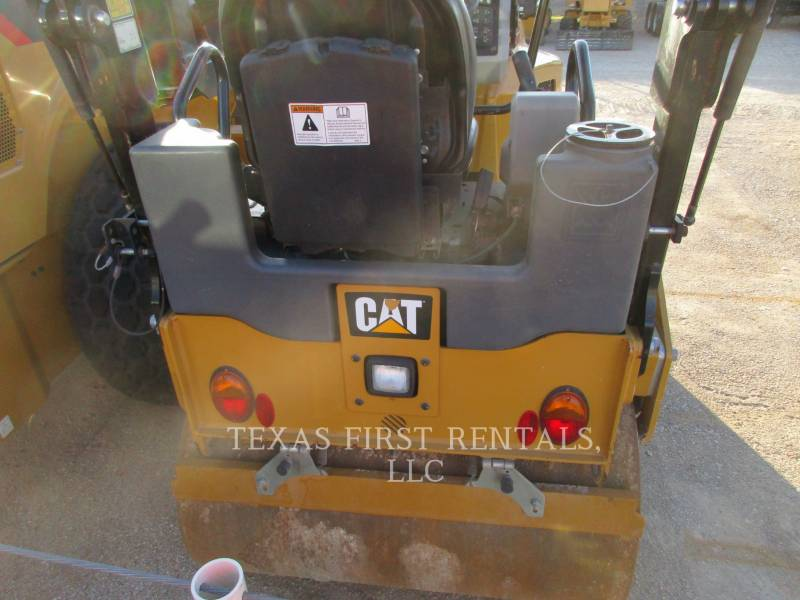 CATERPILLAR VIBRATORY DOUBLE DRUM ASPHALT CB 24 B equipment  photo 4
