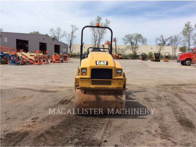 CATERPILLAR TANDEMVIBRATIONSWALZE, ASPHALT CB34B equipment  photo 3
