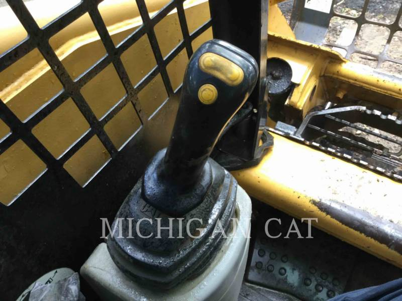 CATERPILLAR MULTI TERRAIN LOADERS 267 equipment  photo 11