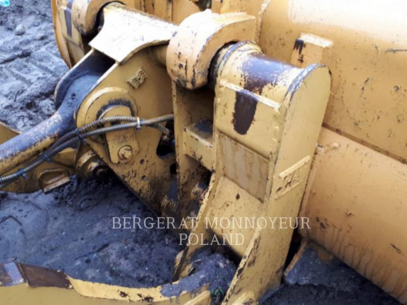 CATERPILLAR 履帯式ローダ 963 C equipment  photo 9