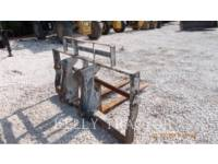 Equipment photo CATERPILLAR FRAME AND TINE FOR TELEHANDLER WT - フォーク 1