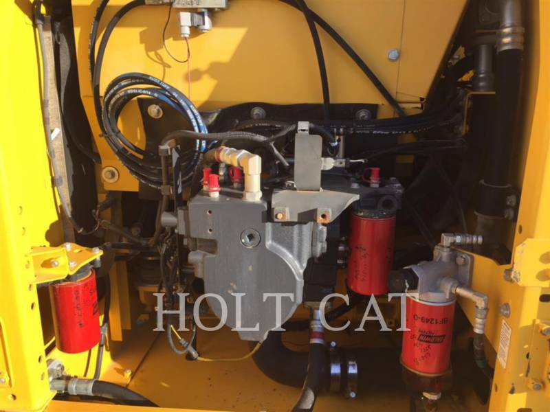 KOMATSU EXCAVADORAS DE CADENAS PC210LC-10 equipment  photo 7