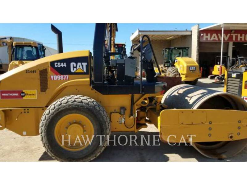 CATERPILLAR COMPACTADORES CS44 equipment  photo 2