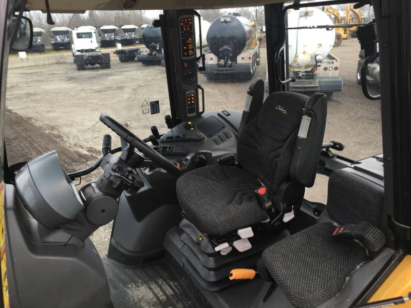 CHALLENGER AG TRACTORS MT455D equipment  photo 20
