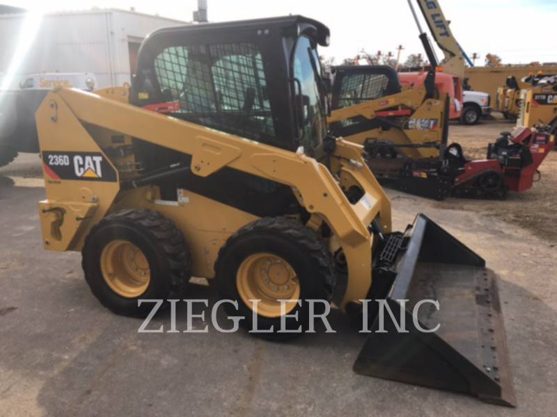 CATERPILLAR SKID STEER LOADERS 236DS equipment  photo 2