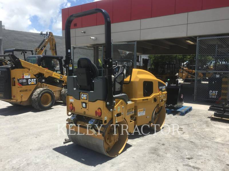 CATERPILLAR TAMBOR DOBLE VIBRATORIO ASFALTO CB 22 B equipment  photo 5