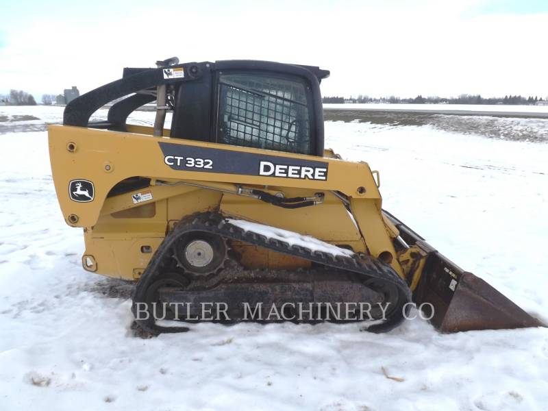 DEERE & CO. SKID STEER LOADERS CT332 equipment  photo 3