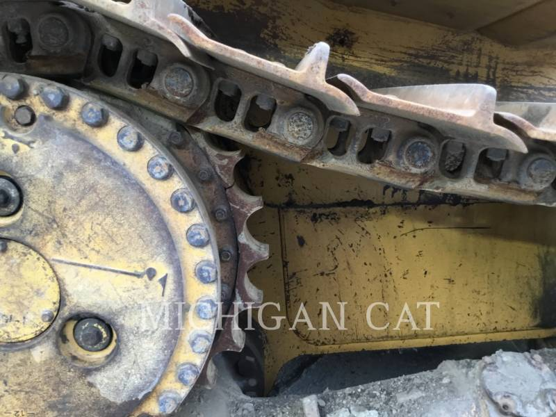 CATERPILLAR TRACK TYPE TRACTORS D6RX equipment  photo 12