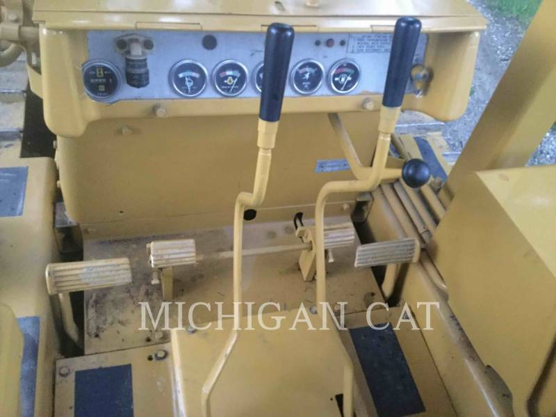 CATERPILLAR TRACK TYPE TRACTORS D4D equipment  photo 21