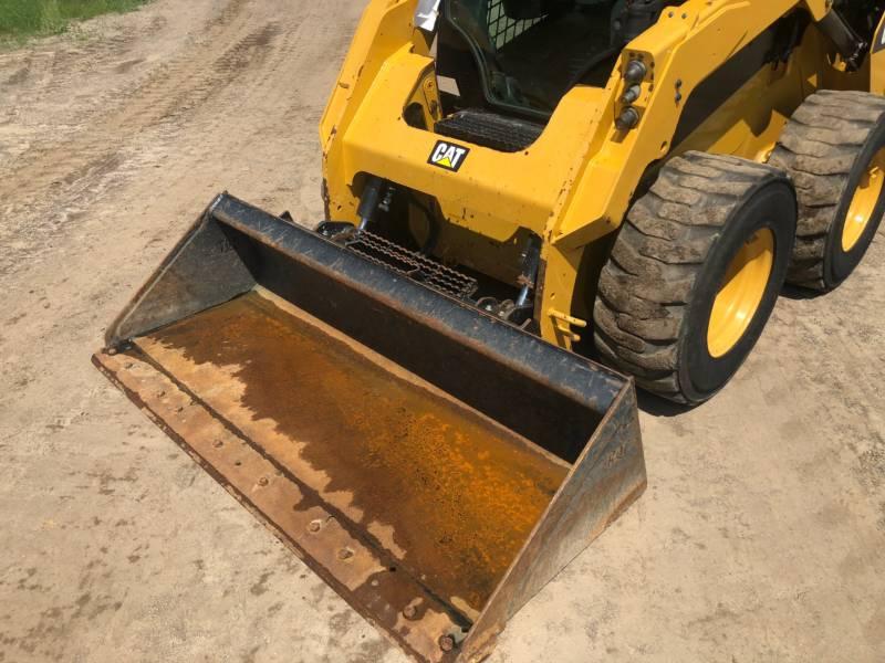 CATERPILLAR KOMPAKTLADER 242 D equipment  photo 15
