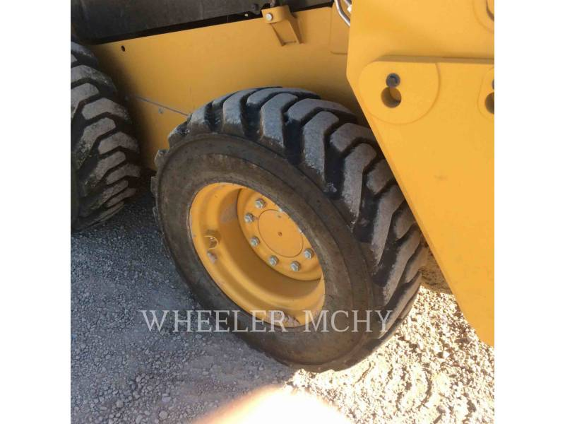 CATERPILLAR SKID STEER LOADERS 226D C3 equipment  photo 15
