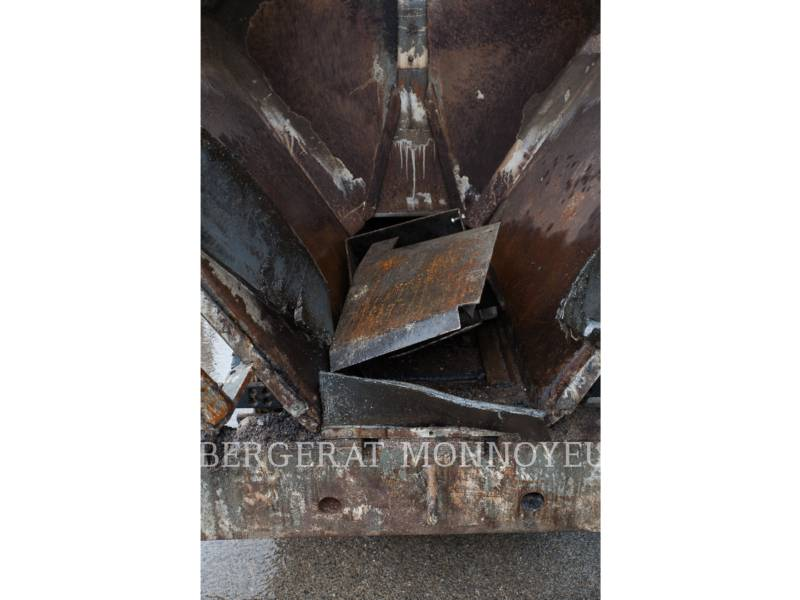CATERPILLAR ASPHALT PAVERS BB621E equipment  photo 6