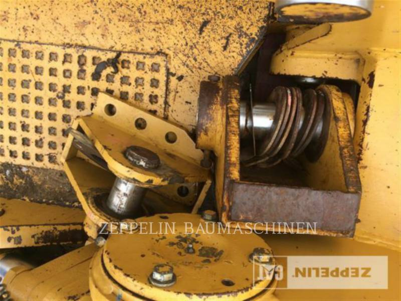 CATERPILLAR TRACTEURS SUR PNEUS - RIPPER DROIT 3-Zahn-Ripper f. D6N equipment  photo 4
