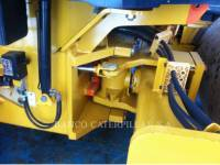 CATERPILLAR VIBRATORY SINGLE DRUM SMOOTH CS-423E equipment  photo 14