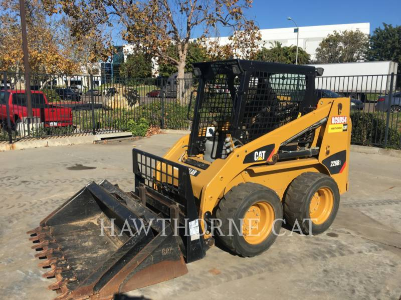 CATERPILLAR SKID STEER LOADERS 226B3 equipment  photo 8