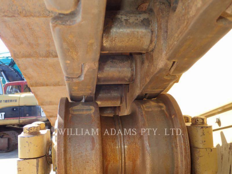 CATERPILLAR TRACTEURS SUR CHAINES D8T equipment  photo 19