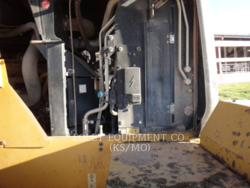 CATERPILLAR CHARGEURS SUR PNEUS/CHARGEURS INDUSTRIELS 938K equipment  photo 9
