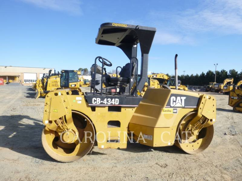 CATERPILLAR コンパクタ CB434D equipment  photo 1